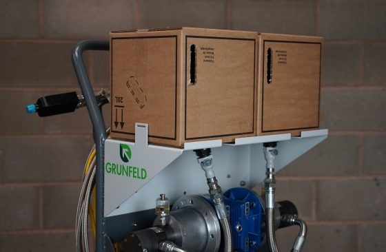 Bag in a box fluid containers for bulk resins